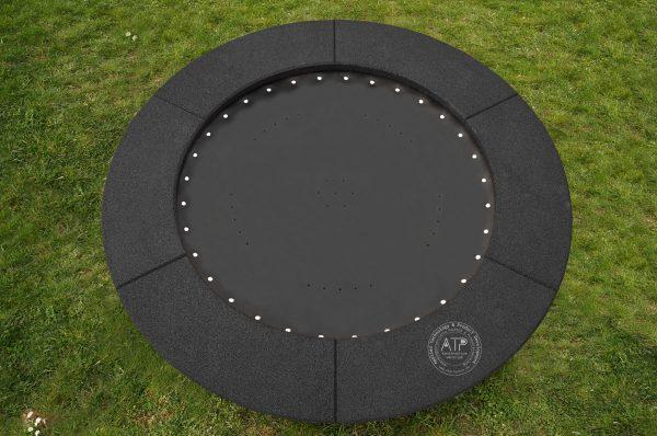 Produktfoto Bodentrampolin rund mit schwarzem EPDM Fallschutz
