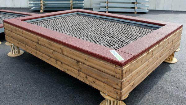 Bodentrampolin Spielplatz zum Aufstellen mit Holzverkleidung