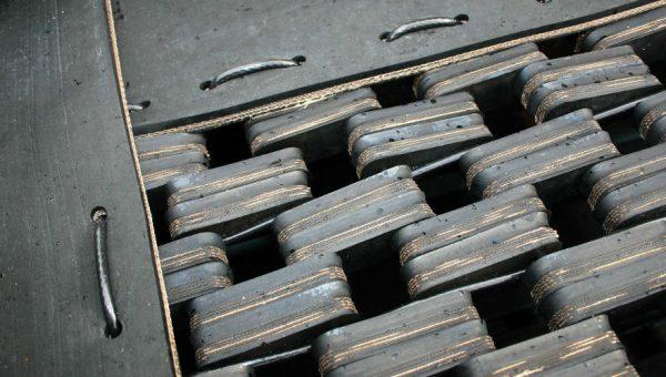 Zweite Nahaufnahme Sprungmatte des Bodentrampolin Spielplatz