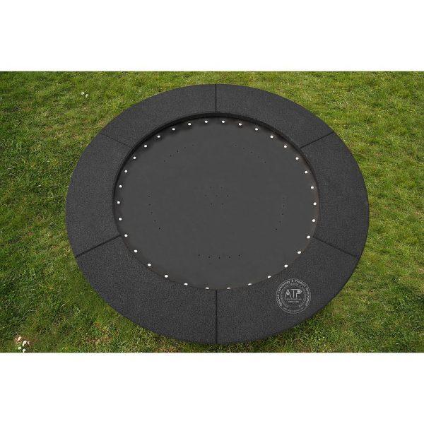 Produktfoto rundes Trampolin Circus Maximus mit schwarzem EPDM Fallschutz
