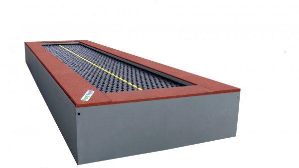 Produktfoto Trampolin 6m mit feuerverzinktem Stahlrahmen und rotbraunem EPDM Fallschutz